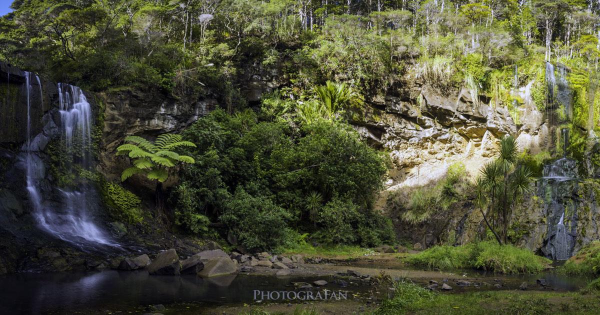 ニュージーランドの西オークランドにある滝Mokoroa Fallsへトレッキング&写真撮影