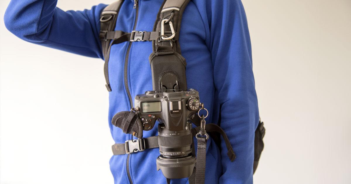 登山で一眼レフカメラを携行するのに最適なストラップ – COTTON CARRIER ストラップショット