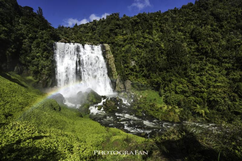 Marokopa Fallsと虹
