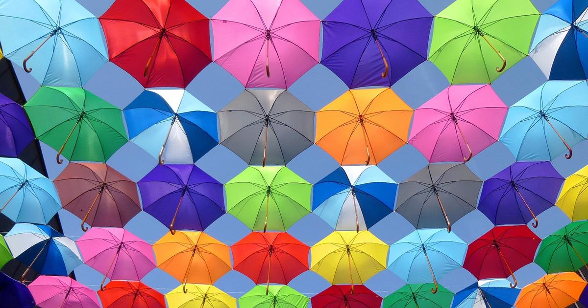 色空間設定はsRGBとAdobeRGB