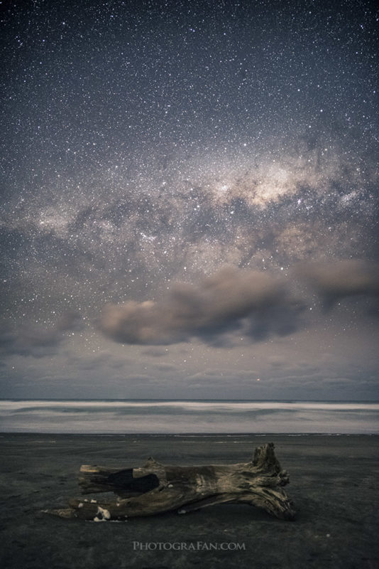 MIlky way over Bethells Beach