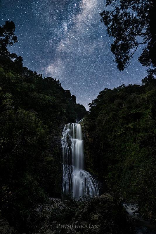 Milky way over Kitekite Falls