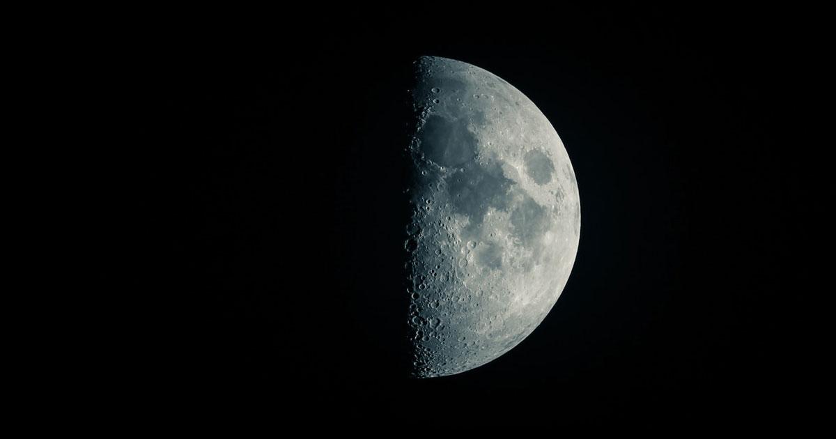 カメラ初心者向でも出来る月の撮影方法