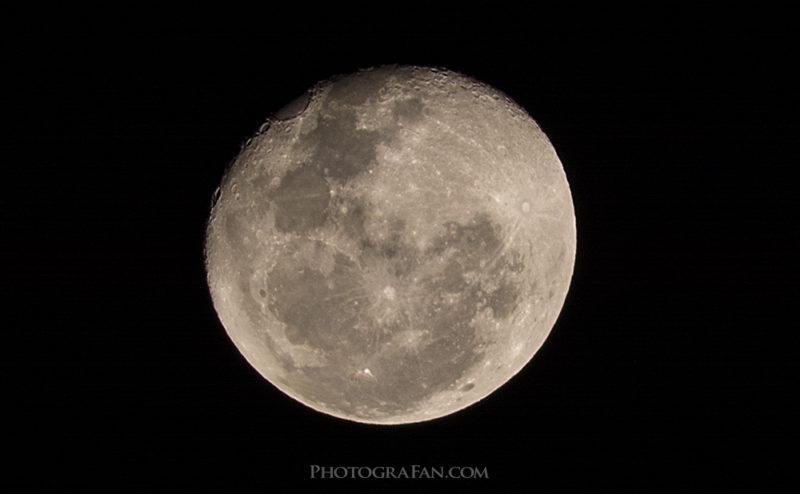 D7100で月を撮影