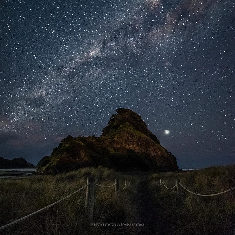 ニュージーランドの天の川と南十字星