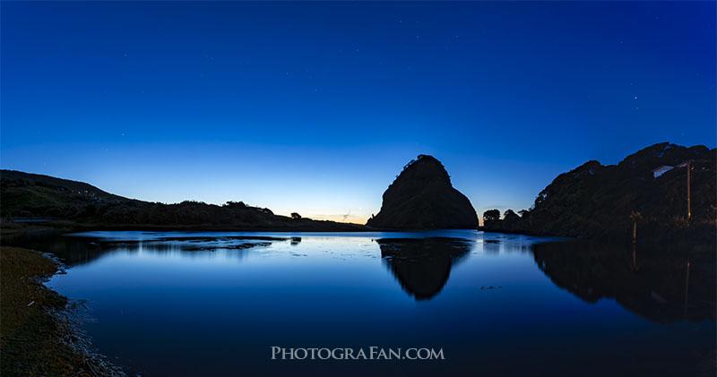 太陽が沈み切った夜に近いブルーアワー