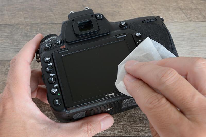 液晶モニターの表面の掃除